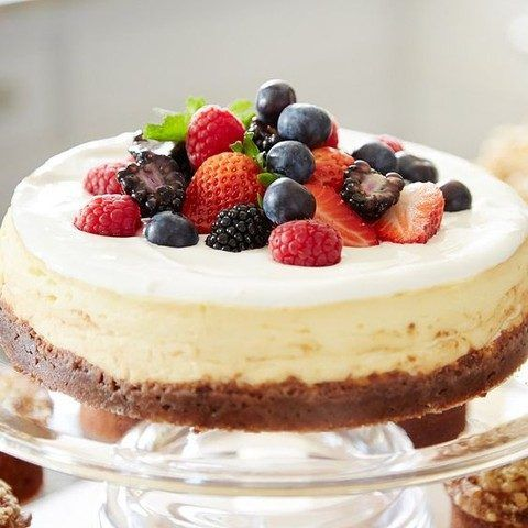 30 Delicious Cheesecakes For Your Wedding | HappyWedd.com #PinoftheDay #delicious #cheesecakes #wedding