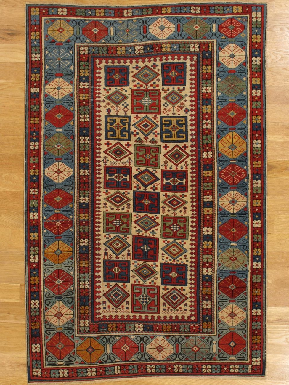 Kuba Rug From Eastern Caucasus West Coast Of The Caspian Sea Age Circa 1875 Size 5 6 X3 7 168x109 Cm Sold Rugs Rugs On Carpet Antique Carpets