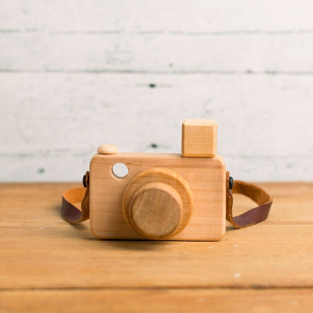 wooden magnetic camera