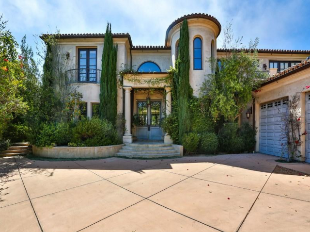 the original o c house is for sale and you need to see what it rh pinterest it