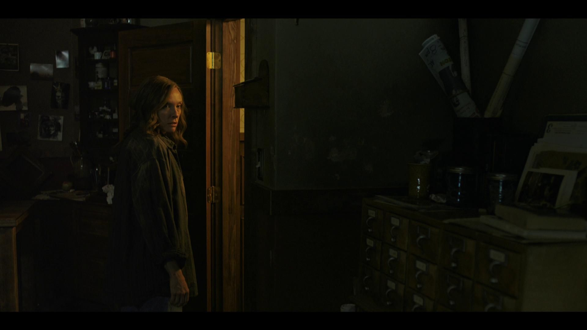 Hereditary 4k Uhd Review Redvdit Hereditary Grieving Families Gabriel Byrne