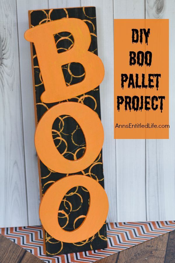 DIY Boo Pallet Project; an easy to make Halloween decoration Easily - make halloween decoration