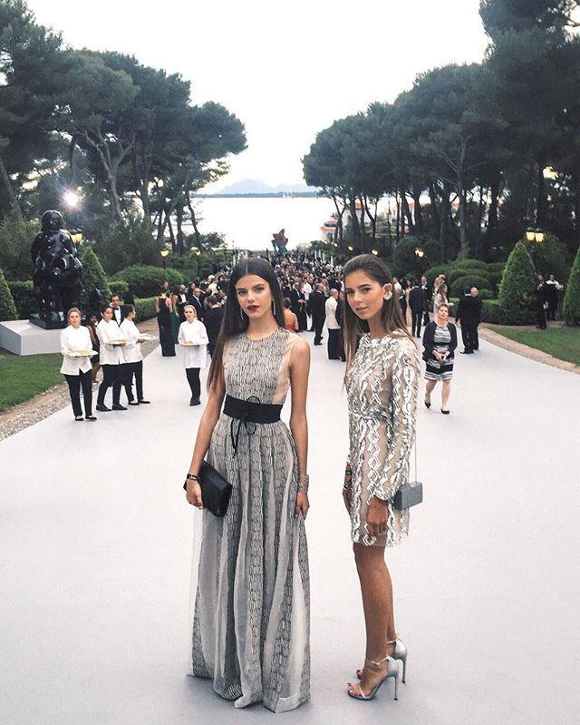 Evening dress instagram log