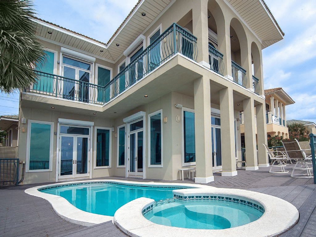 10 Incredible Beach Houses You Can Rent For A Cheap Family ...