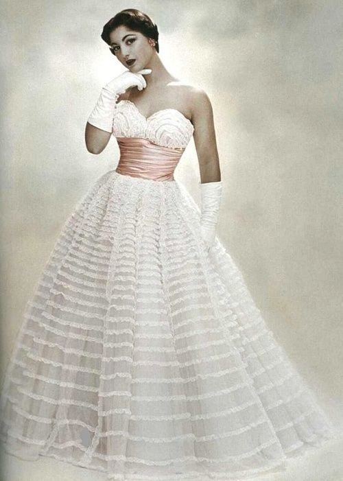 This looks like my mom\'s senior prom dress. theniftyfifties: Model ...