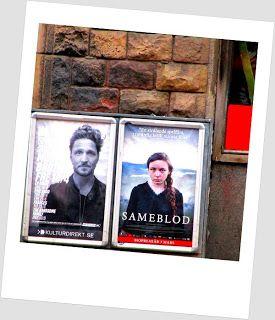 Street Art of North: Street Art: Movieposter Sameblod. Katutaidetta: Elokuvajuliste Sameblod, saamelaisverta, saamelaisveri, sama veri, olemme samaa verta, samasta puusta lähtöisin... Julkka, juliste, mainos. Osaa kadulla olevia julisteita pidän taiteena ja / tai informaatiota, jakamisen arvoisina. Kuten tämä elokuva. Katu täyttyy mainoksista, elämä on ostamista. Pane käsi lompakkoon ja ollaan hiljaa. Street Art, Movieposter, Sameblod, Stockholm, sweet sweet Sweden, eden. Kansankoti