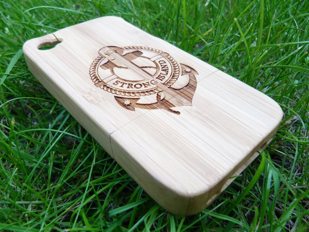 Mobili Bamboo ~ Natural bamboo iphone 4 case etched with the strong island logo