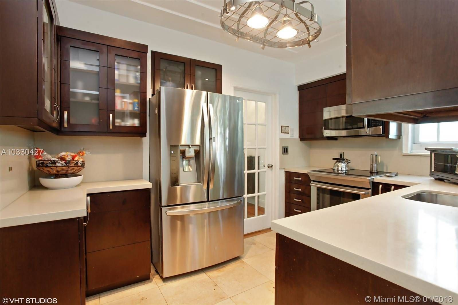 3050 Sw 1st Ave Miami Fl 33129 With Images Sleek Kitchen New Countertops Open Houses Today