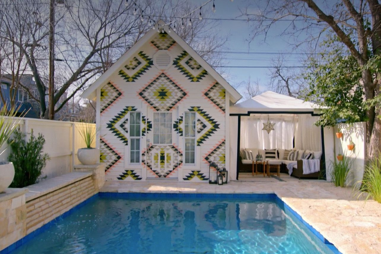 Pin By Serah Oduor On Home Backyard Pool Houses House Rental Pool House