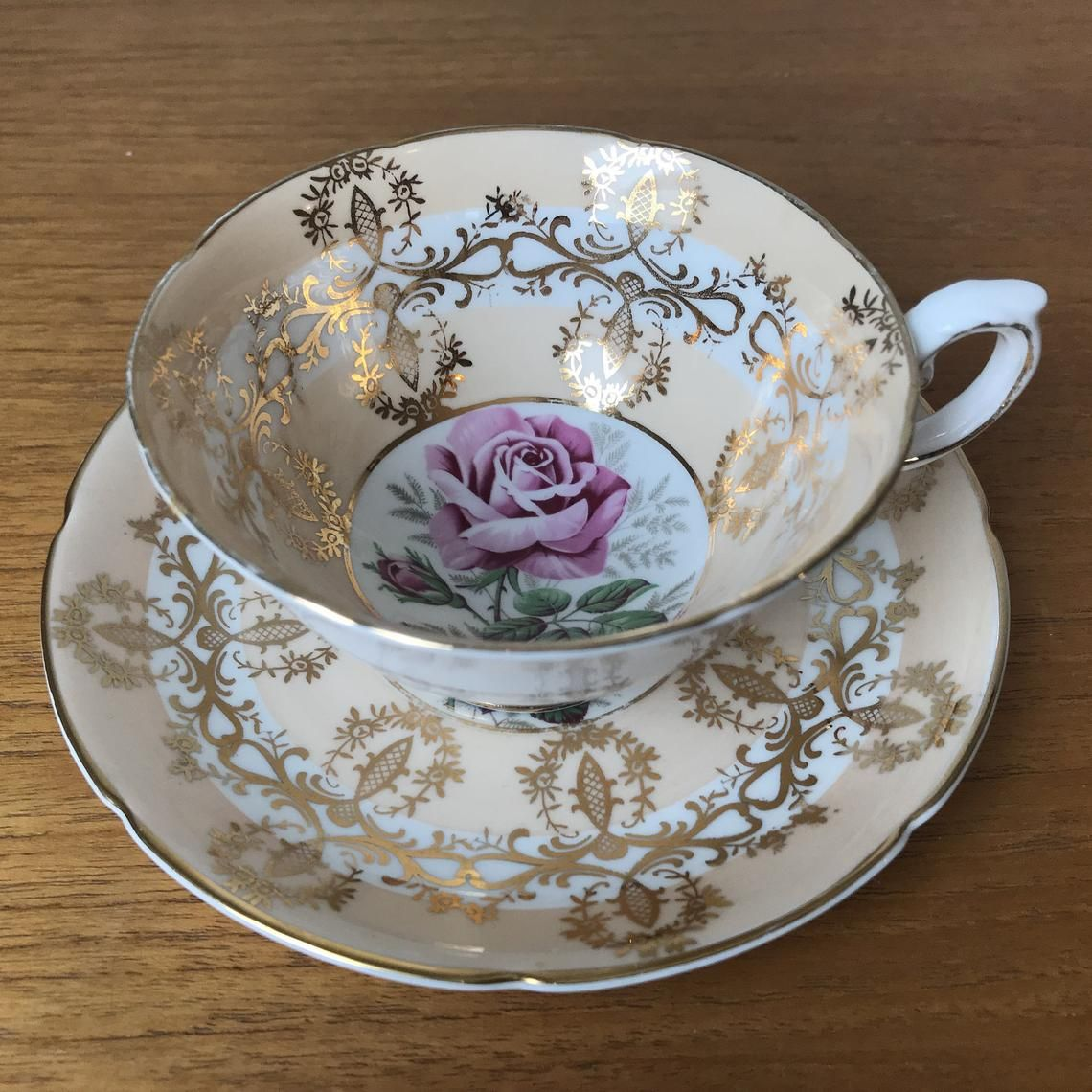 Tee Tasse Royal Grafton Rose Tea Cup And Saucer Peach And Gold Teacup And