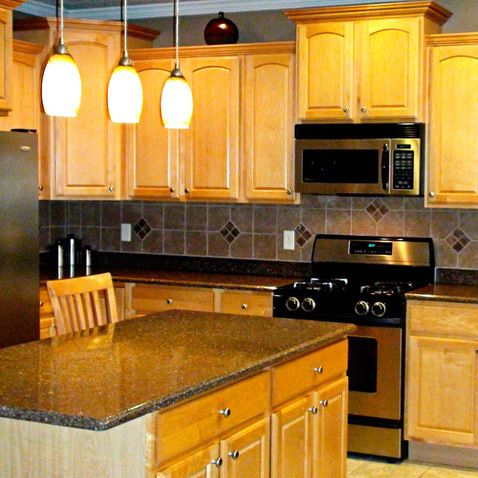 Maple Kitchen Cabinets Design Ideas, Pictures, Remodel, and Decor - page 6