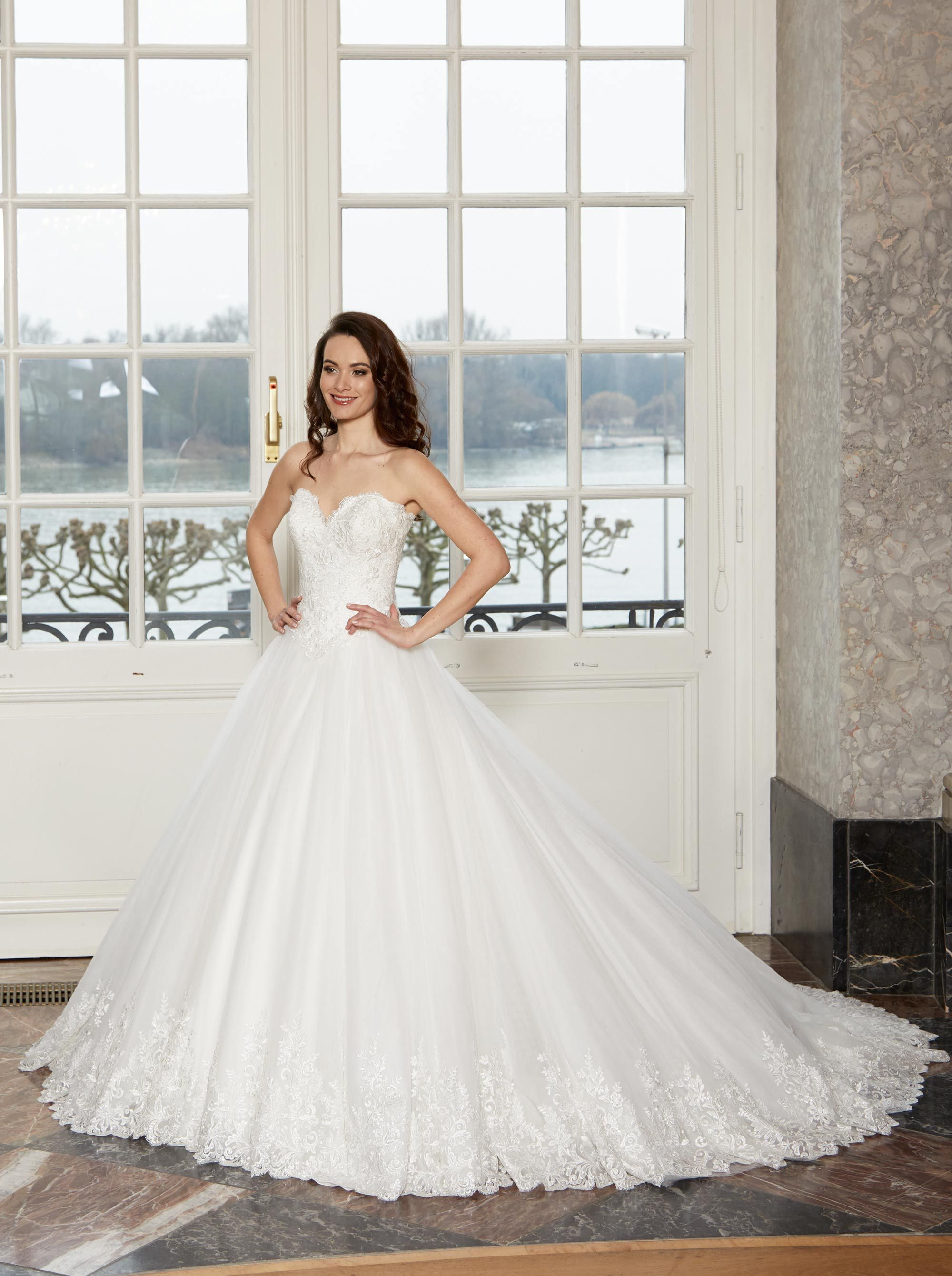 #wedding #bride #dress #weddingdress #bridal #bridalgown #dianelegrand