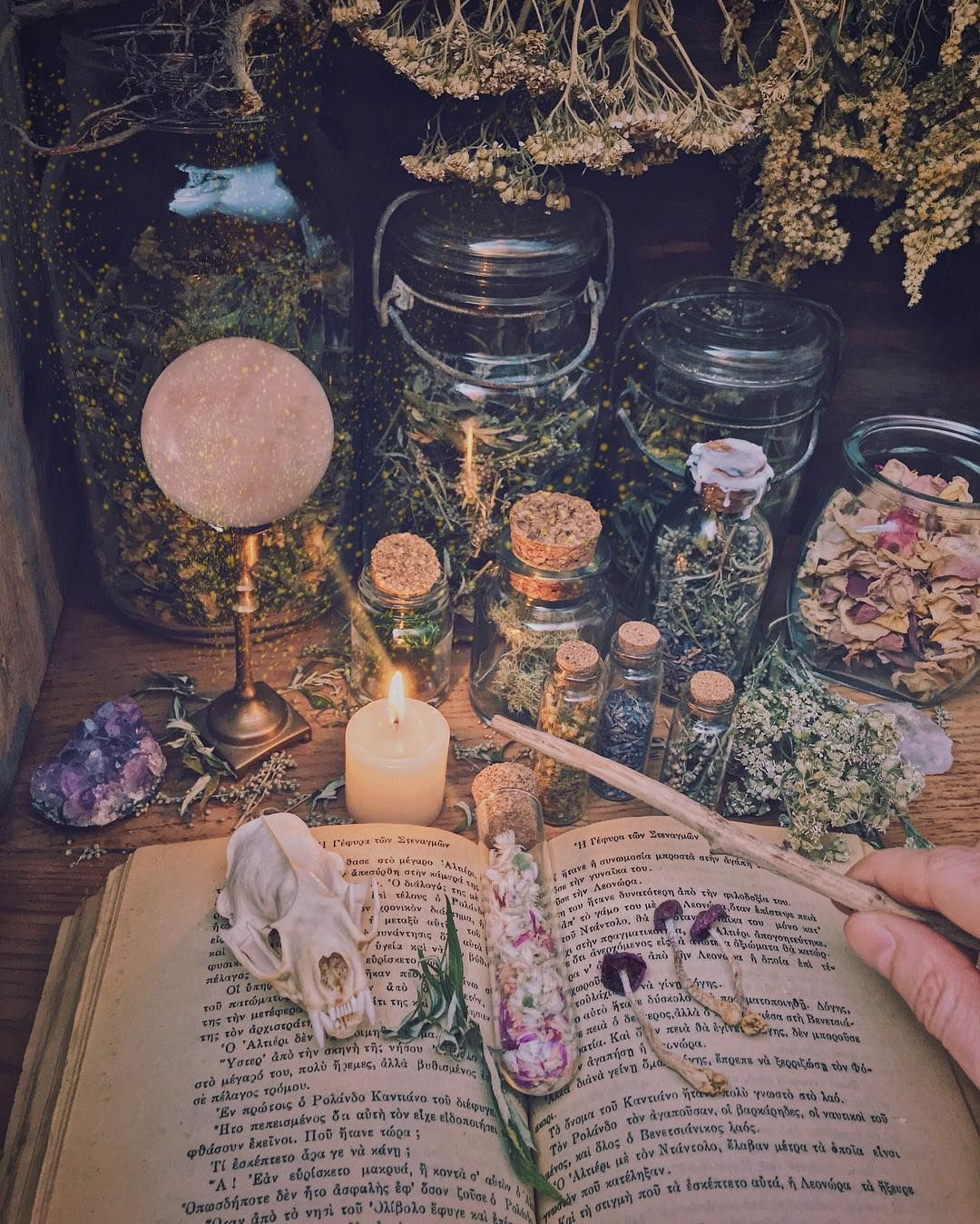 ʂʊʂaɳ ƭʊɬɬℓع On Instagram What Does Being A Witch Look Like For You Do You Identify As A Particular Type Are You Eclectic Witch Room Witch Magic Aesthetic