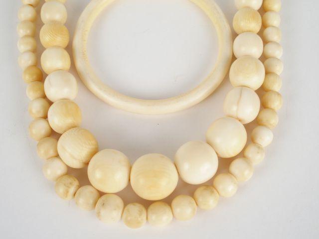 collier perle d'ivoire