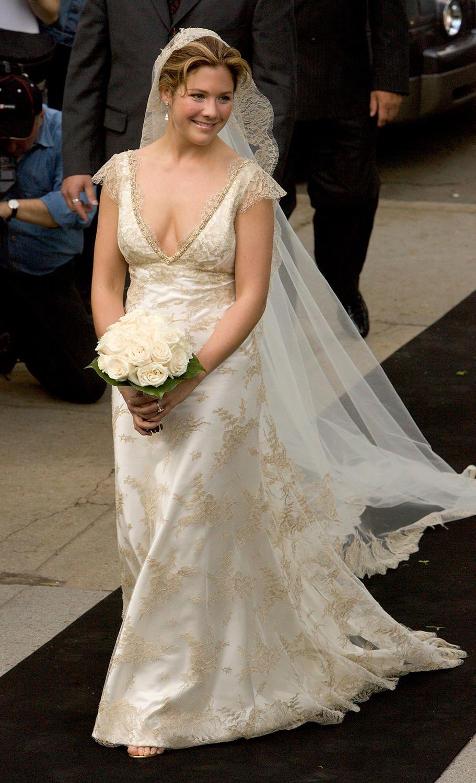 Sophie Trudeau Lands Fashion Magazine Cover: Sophie Grégoire Trudeau's Beautiful Wedding Dress