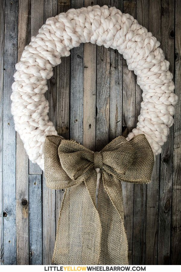 A Rustic Wreath You Can Make in Under 30 minutes – No Really! Make this rustic wreath in less than 30 minutes without any tools! We show you the quick step by step process to make a chunky knit wreath for your winter decorating. Add a bit of farmhouse charm to your holiday decorations. These also make a great gift.