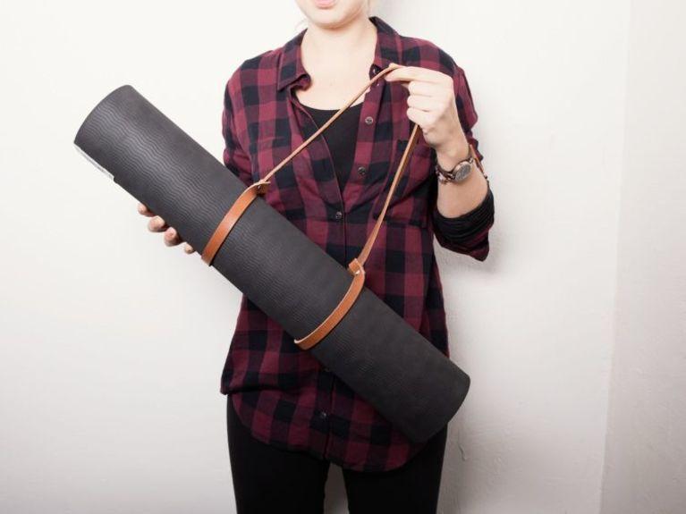 Kostenloses DIY: Leder Tragegurt für Yogamatte in 5 Minuten