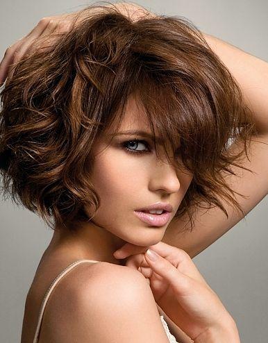 cortes de pelo rizado para cabello mediano
