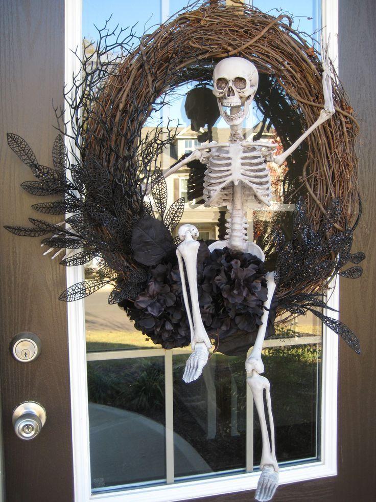 48 CREEPY OUTDOOR HALLOWEEN DECORATION IDEAS Wreaths, Halloween