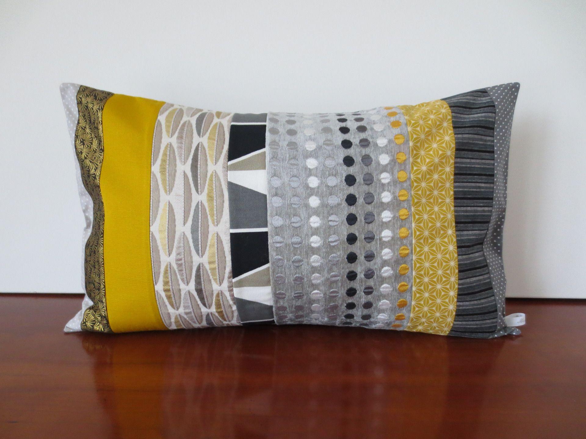 housse coussin moutarde au poivre en patchwork : textiles et tapis