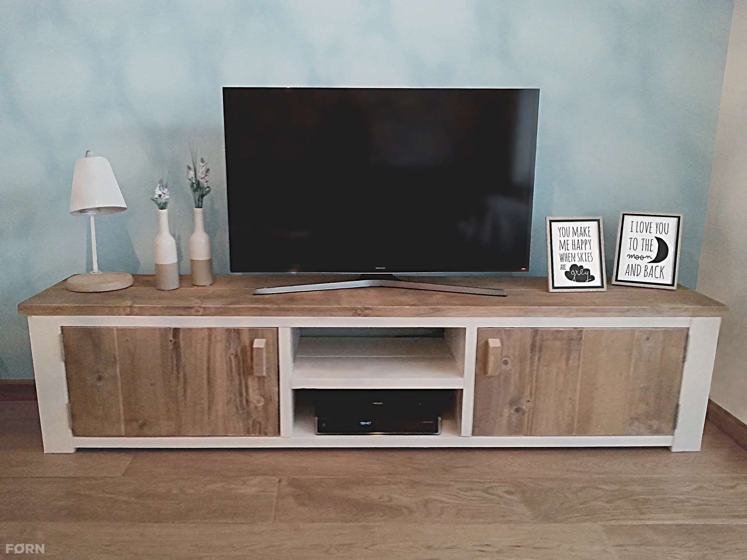 bauholz tv lowboard wei marie tv m bel holz roma bauholz tv. Black Bedroom Furniture Sets. Home Design Ideas