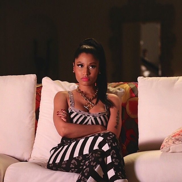 Nicki Minaj rumored boyfriend post semi nude photo of her