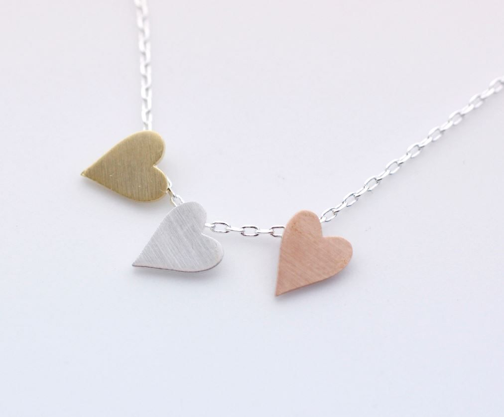 Luulla-Zizibejewelry-3 Hearts dangling Necklace in Silver Chain-$15.00