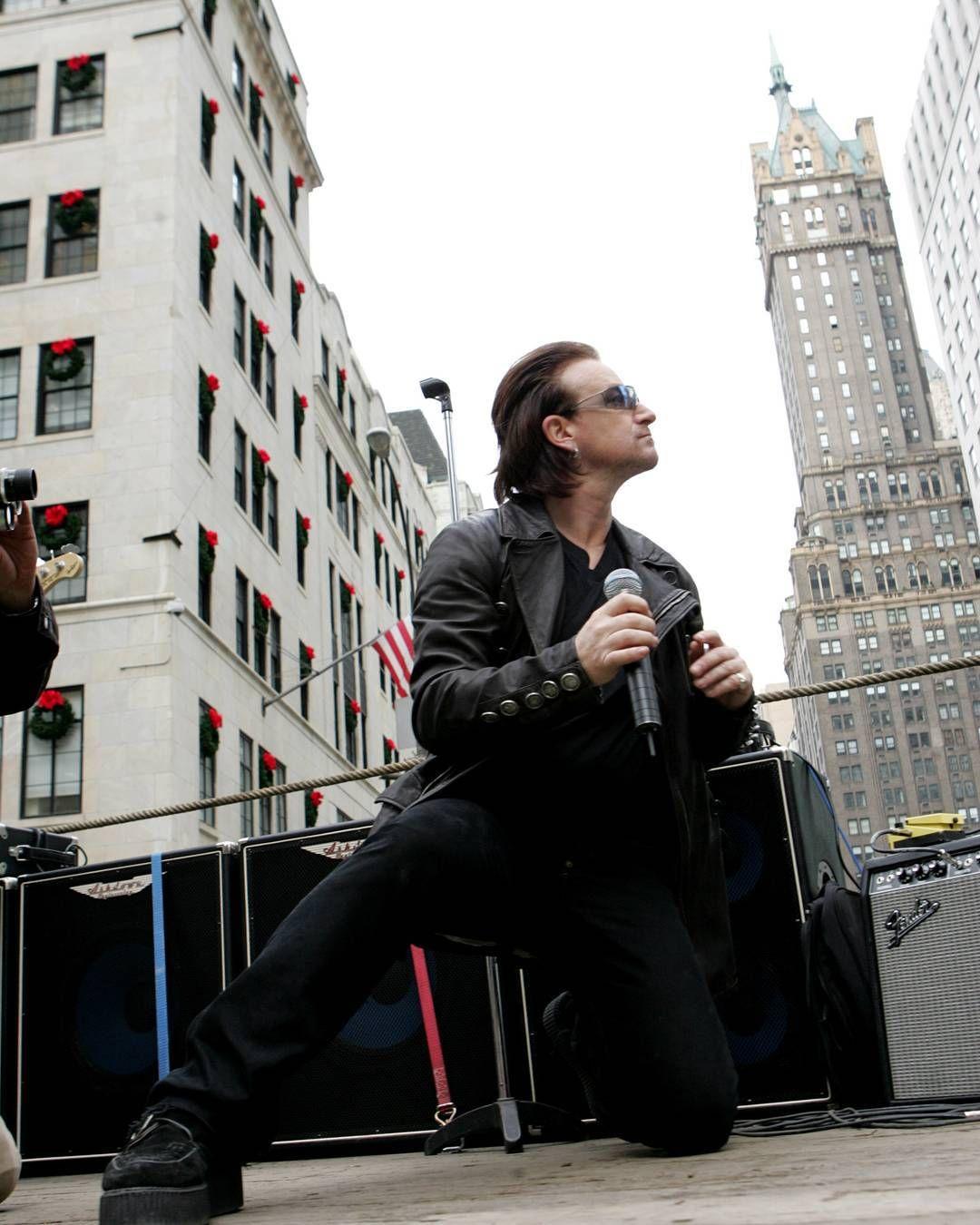 Nuestra Recomendación Del Día Raised By Wolves De U2 Gqmusic I Foto Getty Images Fotos Musica Instagram