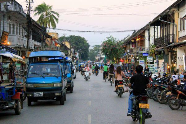 Sisavangvong Road before the Hmong Handicraft Night Market begins.