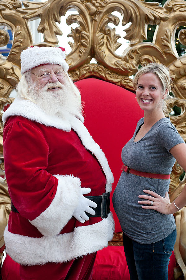 Christmas Card Photo Ideas Part - 42: Funny Christmas Card Idea: Santau0027s Belly May Have Any Mom-to-be Beat
