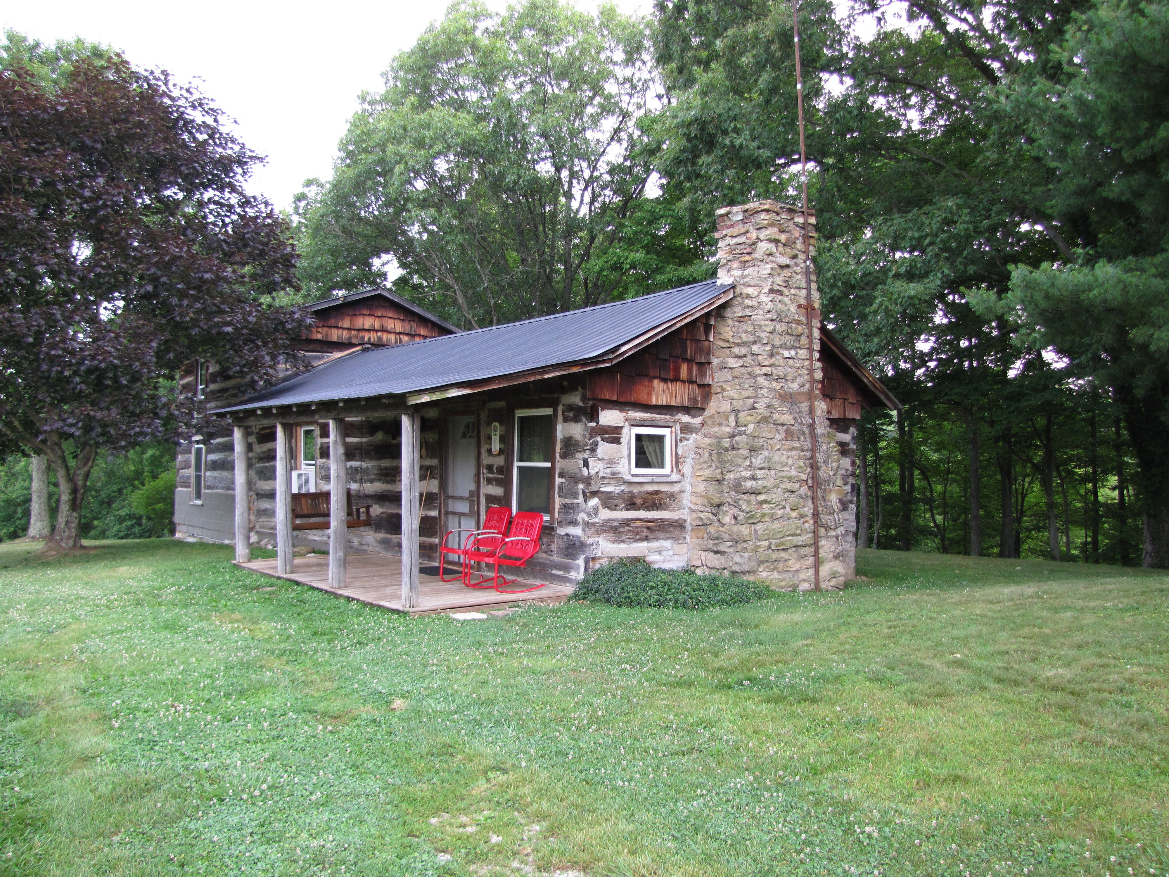Red Bird Rentals 498 Dale Back Road, Frenchburg, KY 40322 Frenchburg, KY  Http