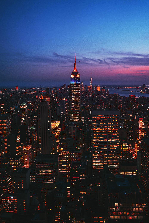 New York By Night Nyc Newyork Ville City Citylover Voyager Travel Wanderlust Traveller Travelt In 2020 City Skyline Night New York City Travel City Landscape