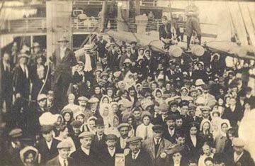 By today's dollar, the journey from Ireland to the United States during Ireland's Great Famine (1845-1852) was $ 10. Photo is of Irish immigrants c. 1910.