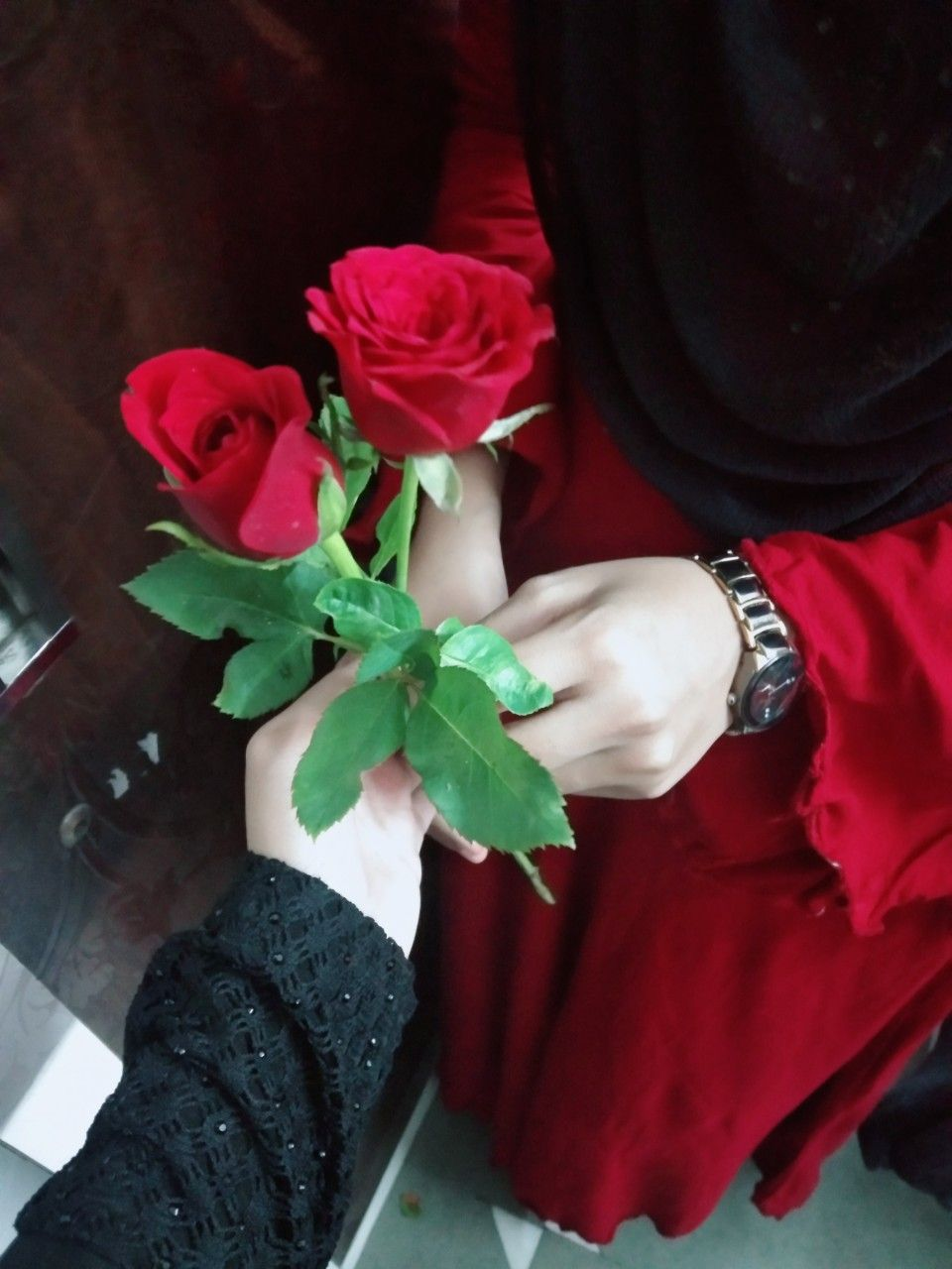 Pin By ŝweet ŝumi On Girly Dp Stylish Girl Pic Love Rose Flower Cute Muslim Couples