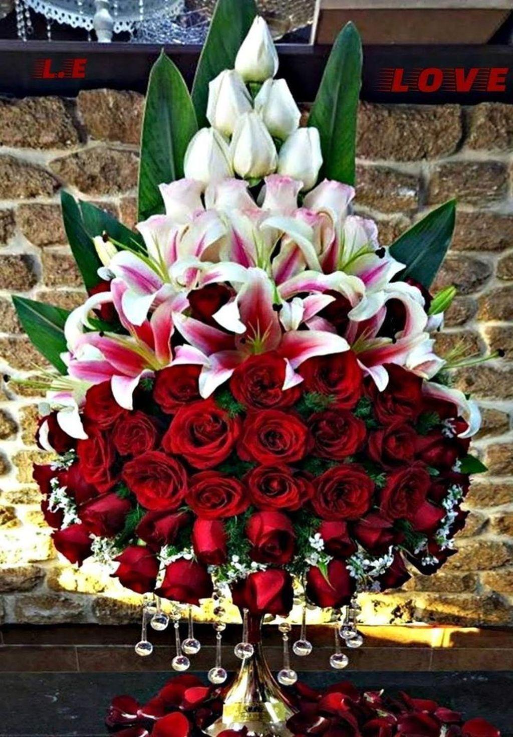 30 Beautiful Modern Flower Arrangements Design Ideas Magzhouse Creative Flower Arrangements Funeral Flower Arrangements Fresh Flowers Arrangements