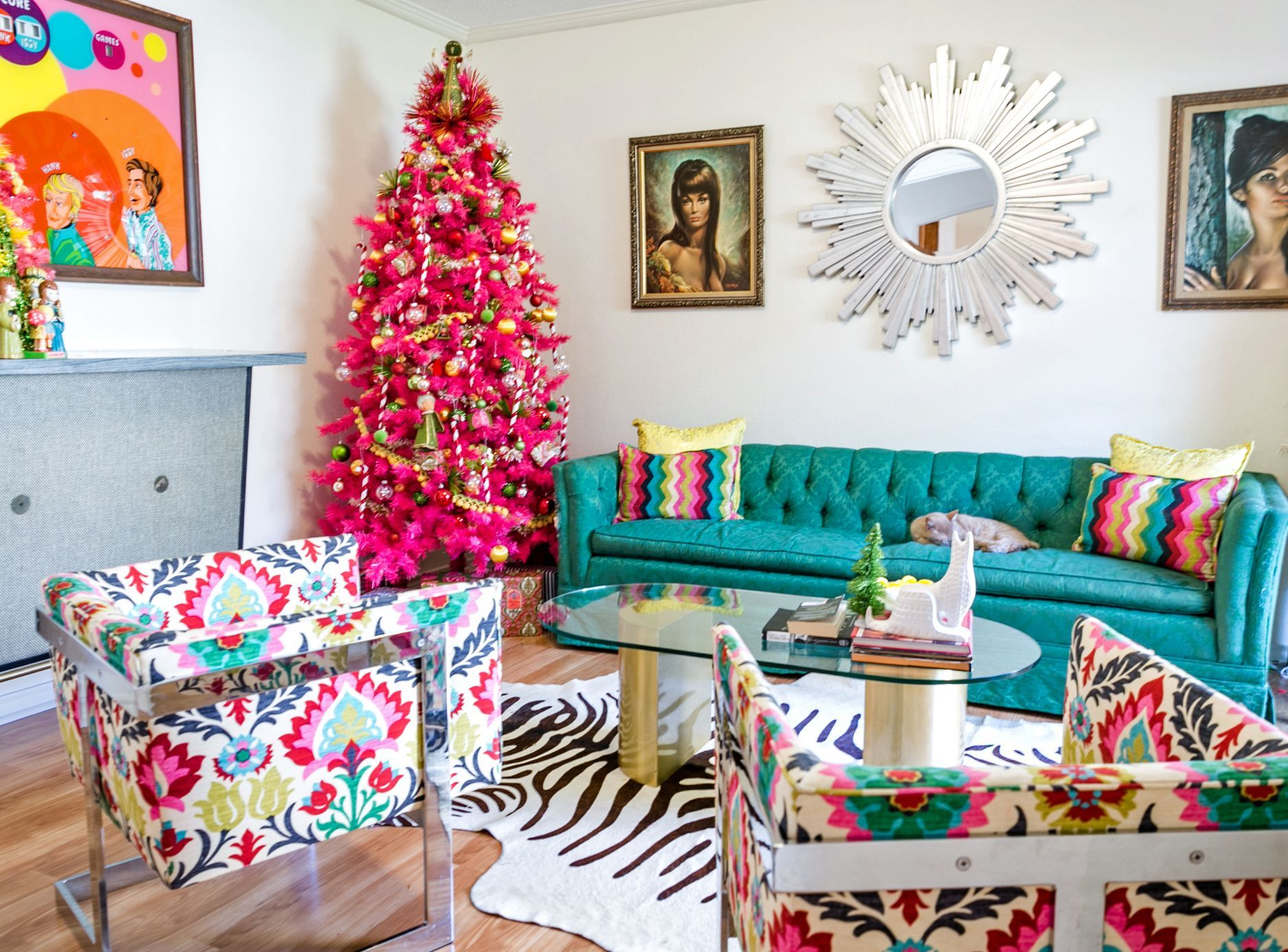 How to Make Midcentury Modern Christmas Decorations Entertaining