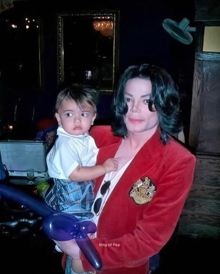 4 Celebrities that are surrogate parents: Michael Jackson