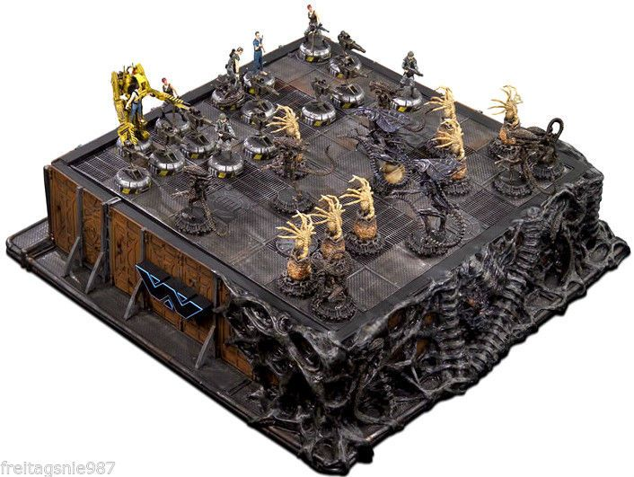 ALIENS chess-game resin pewter ltd edition 750 made by Sota