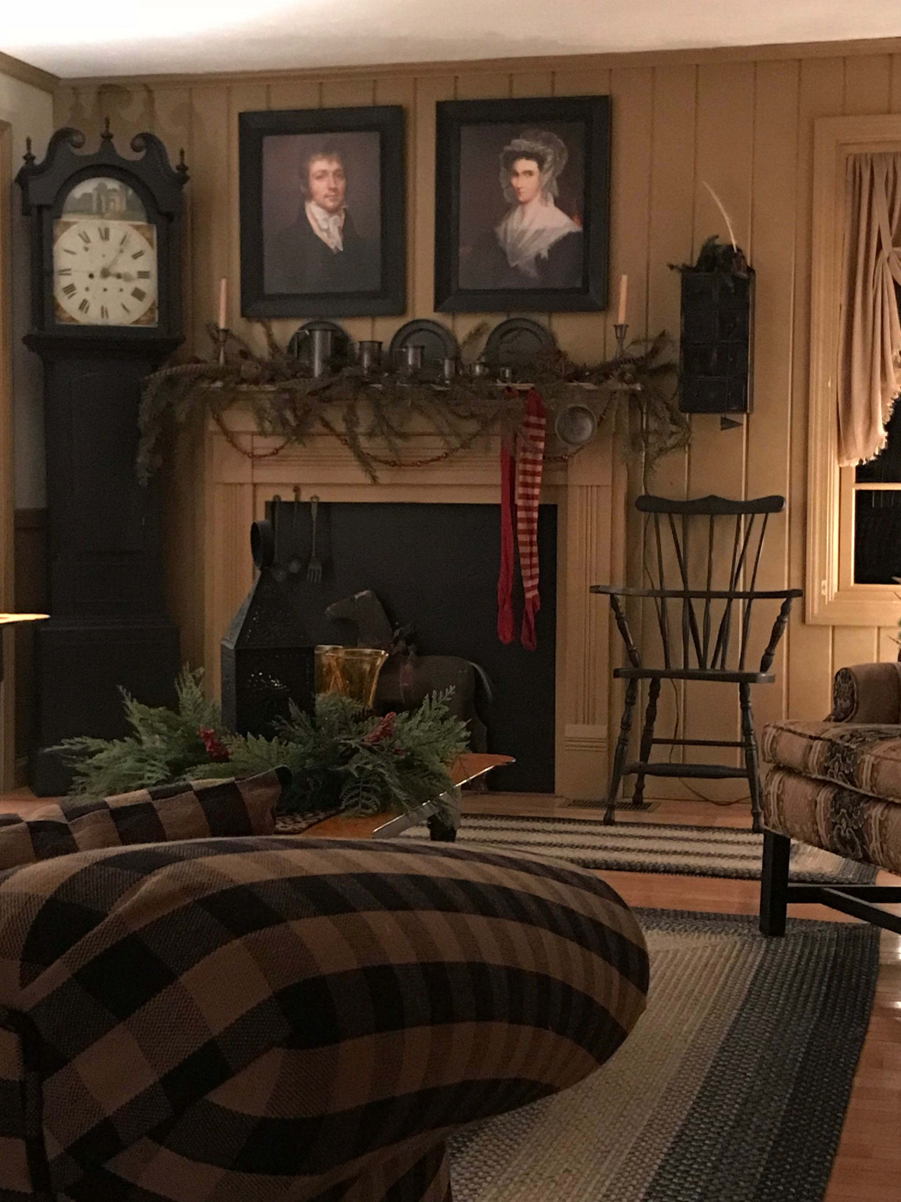 Love some primitive touches with everything lighter - Primitive country living room ideas ...