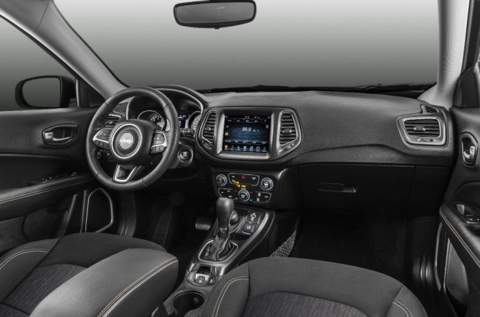 2017 Jeep Compass Longitude Interior Images