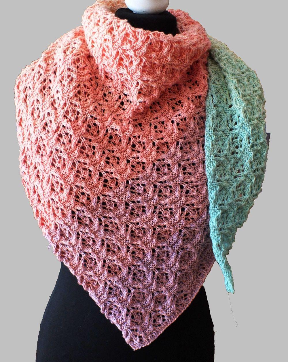 Photo of Strickanleitung für einen asymmetrischen dreieckigen Schal mit Blumenmuster …