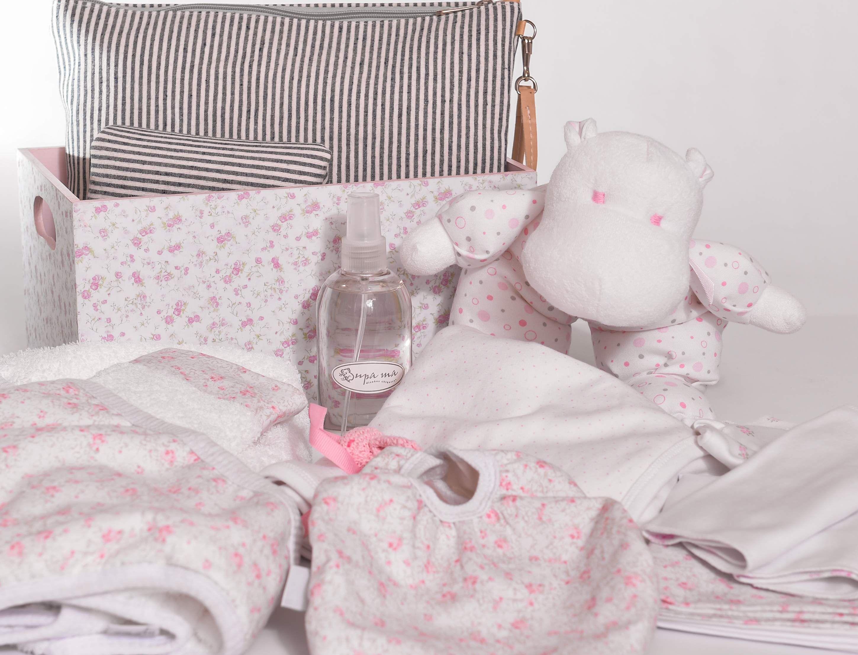 Cajita organizadpra bolsito cambiador toallon con capucha babero para comer colonia bebe set de babitas peluche hipopotamo portachupete
