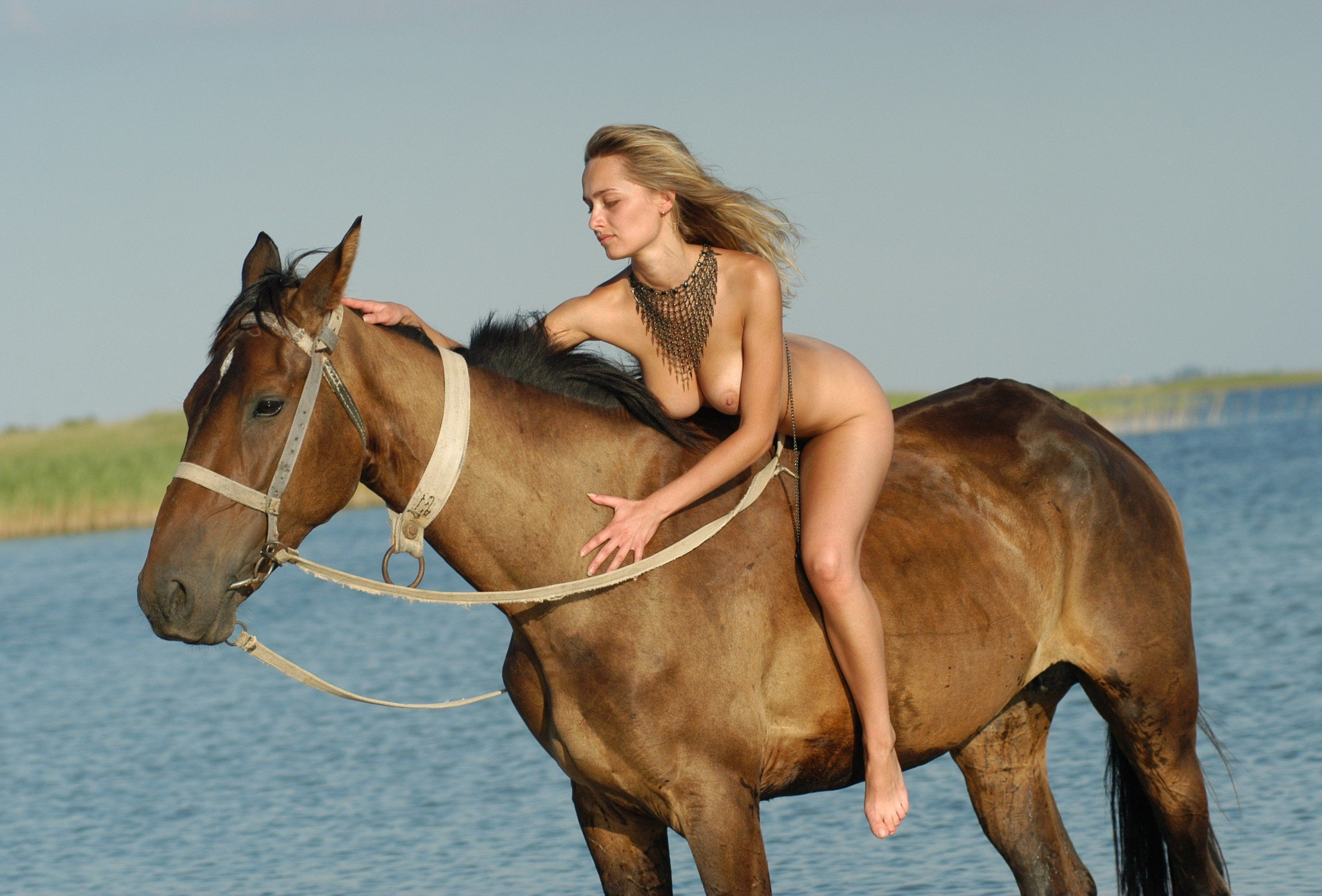 Naked pics of girls riding guys — pic 10