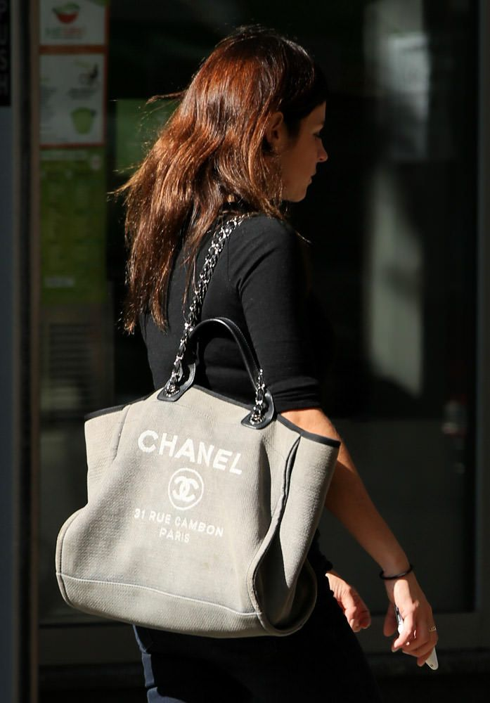 fb3612f130dc Julia Roitfield and canvas tote - 50 Celebrities Carrying Chanel BaGS-40  More