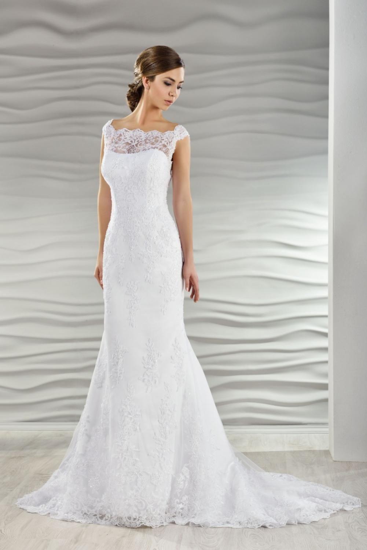 Brautkleid schmal aus Spitze - Kleiderfreuden in 17