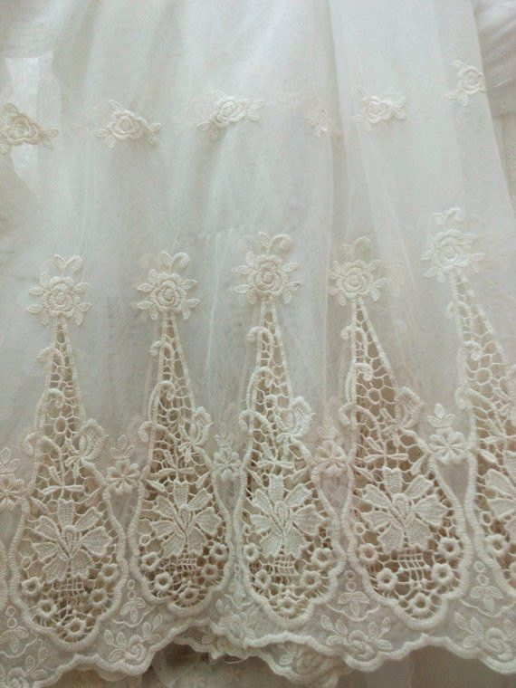 ivory lace fabric, embroidered lace fabric with retro scalloped pattern, hollowed out floral #tüllstoff