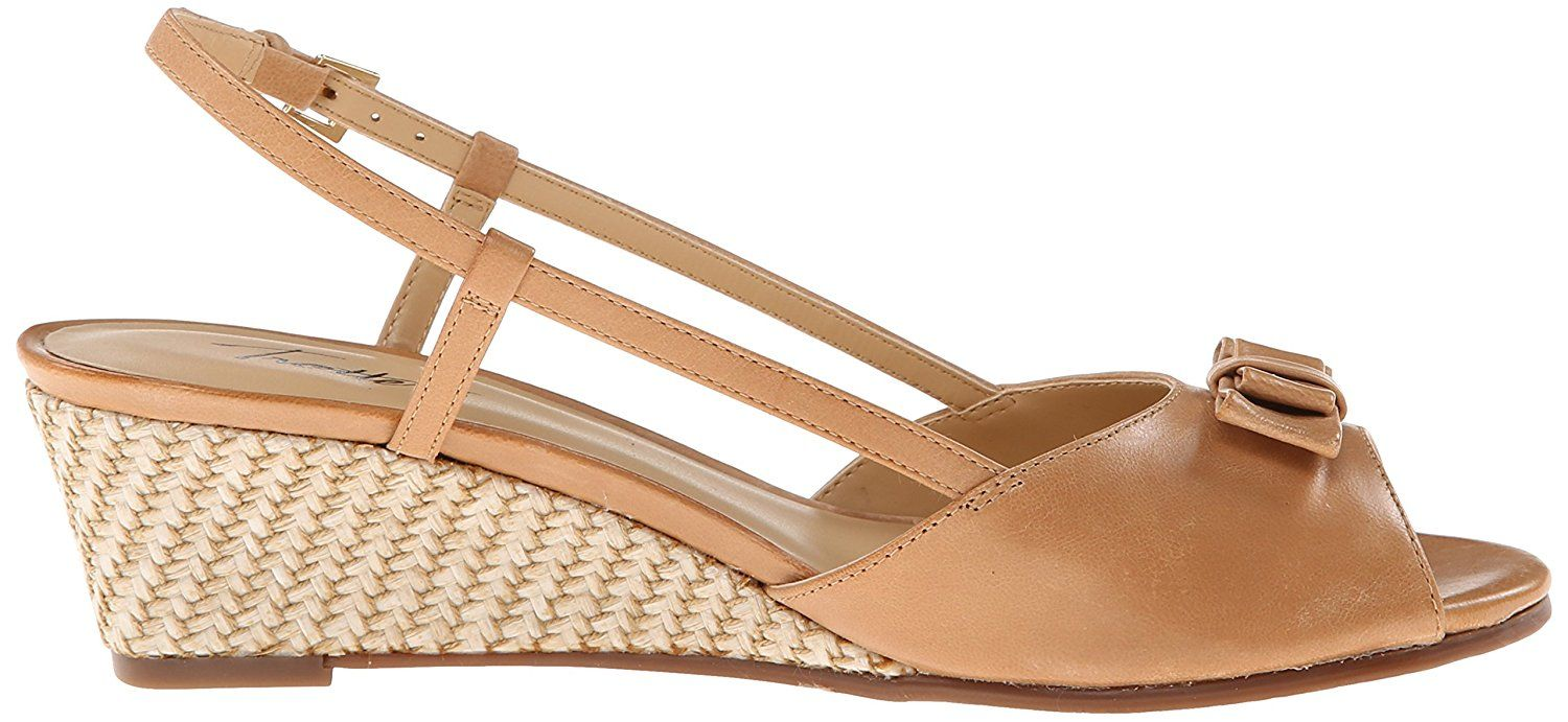 Trotters Women's Milly Wedge Sandal >>> Read more details by clicking on the image. #womenshoe