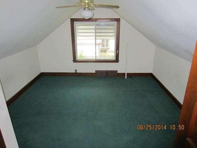 1525 S 93rd St West Allis Wi 53214 Photo 12 Of 16 In 2020 Home Estimate Bedroom Dimensions West Allis