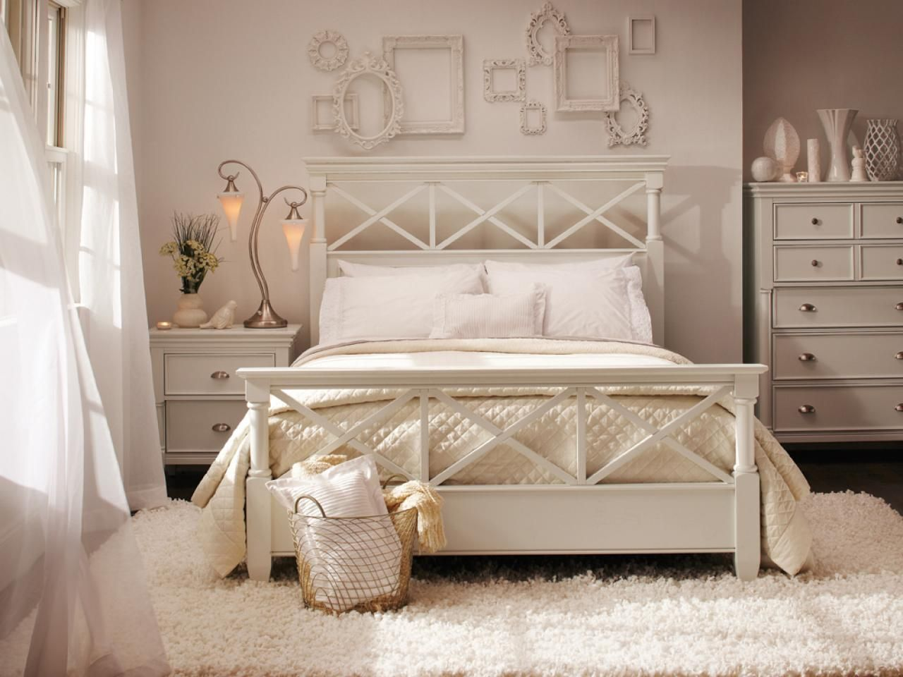 Find the best of Raymour & Flanigan from HGTV Bedroom