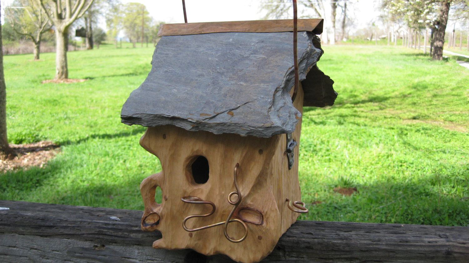 This Is A Beautiful Unique And Rustic One Of A Kind Hand Crafted Birdhouse It Is Sculpted Pine With A Slat Unique Bird Houses Bird Houses Birdhouses Rustic